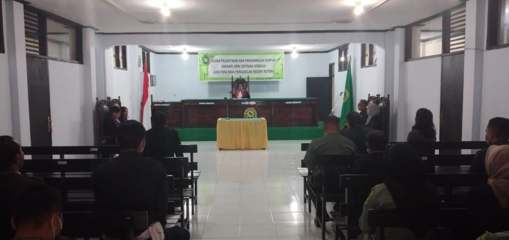 Pelantikan dan Pengambilan Sumpah saudari ORNI GAYDAKA sebagai Jurusita PN Ruteng
